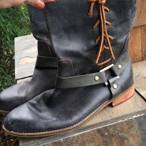 Shoes - LATIGO vintage distressed boots